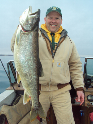 On wisconsin outdoors with dick ellis for Milwaukee harbor fishing report
