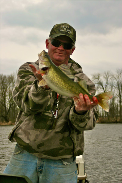 On wisconsin outdoors with dick ellis for Fremont wi fishing report