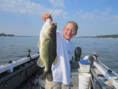 On wisconsin outdoors with dick ellis for Lake delavan fishing